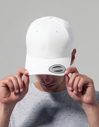 Ideal geeignet für die Bestickung sind Caps insbesondere das Curved Classic Snapback von Flexfit